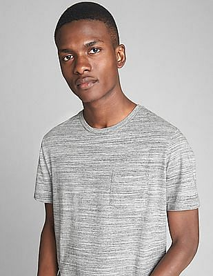 GAP Essential Short Sleeve Crewneck Pocket T-Shirt In Spacedye