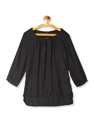 Arrow Woman Round Neck Pleated Top