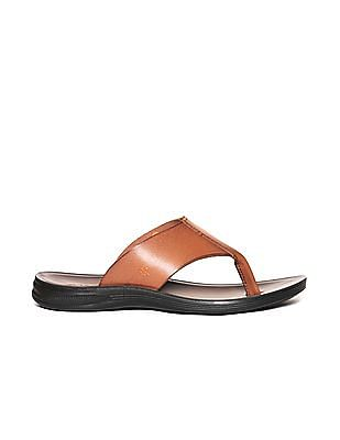 Arrow V-Strap Leather Sandals