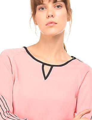 Arrow Woman Raglan Sleeve Boxy Top