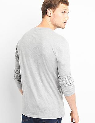GAP Men Grey Long Sleeve Round Neck T-Shirt